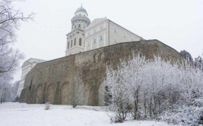 Pannonhalmi Főapátság 2020 karácsonyi online miserend